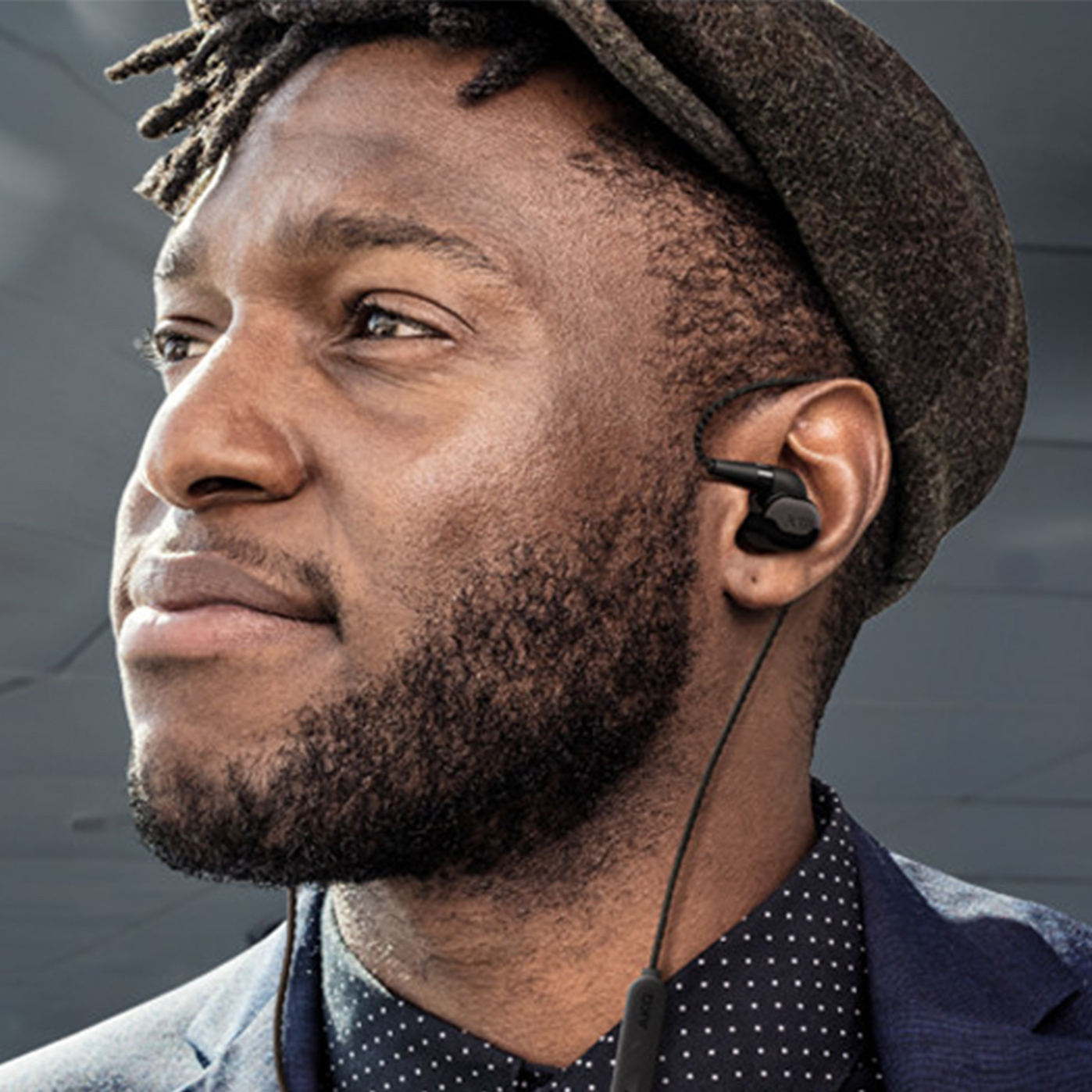 "<font color=""f1c40f"">Wireless Headphones</font>"